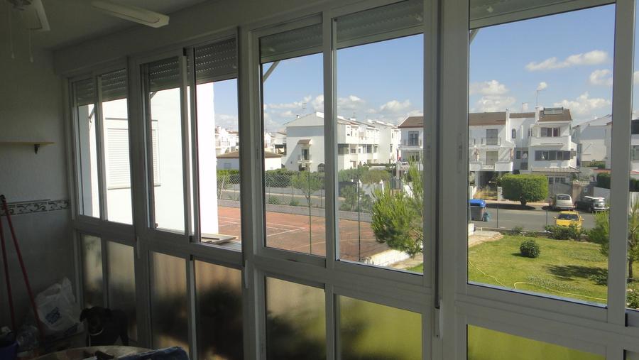 Aluminios la raya ventanas correderas - Cerramiento de balcon ...